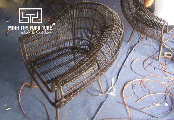Hướng dẫn cách đan ghế cafe nhựa giả mây Highland coffee tại xưởng Minh Thy Furniture