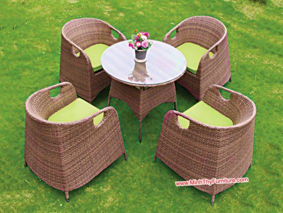 Mách bạn cách chọn bàn ghế cafe phù hợp nhất