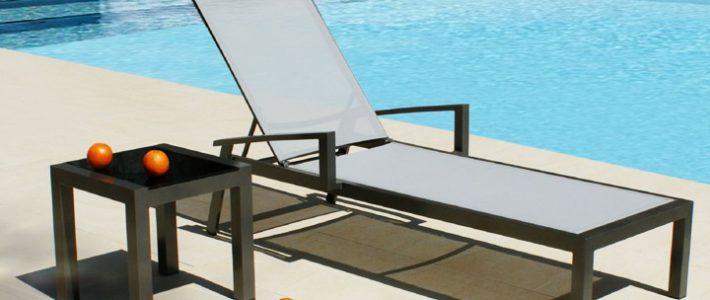 Giường hồ bơi vải lưới textilene sản phẩm tuyệt vời cho resort ven biển.
